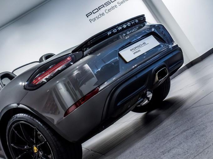 2018 Porsche PDK 2-door (Grey) - Image: 54