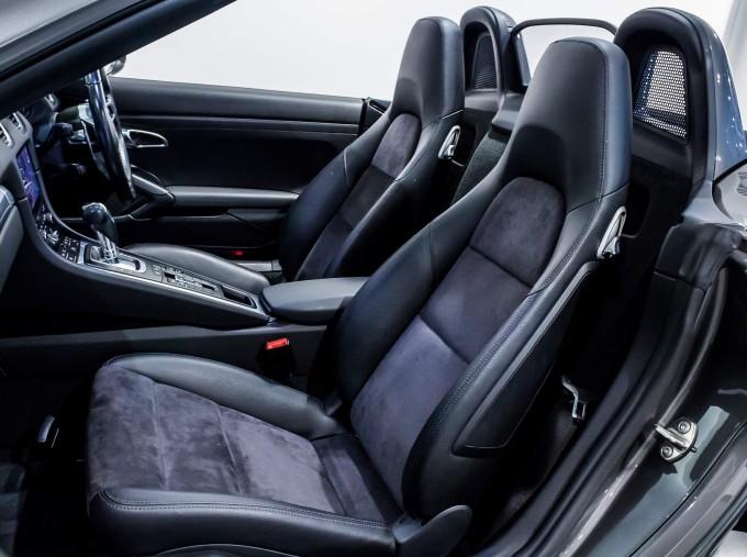 2018 Porsche PDK 2-door (Grey) - Image: 63
