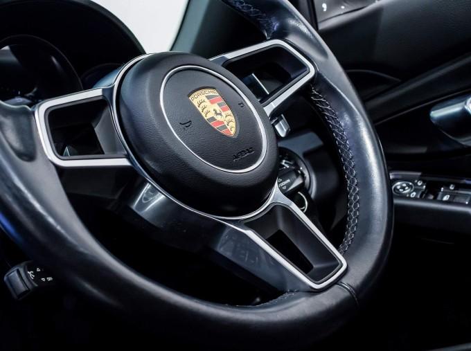 2018 Porsche PDK 2-door (Grey) - Image: 64