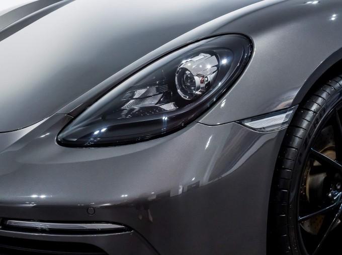 2018 Porsche PDK 2-door (Grey) - Image: 79
