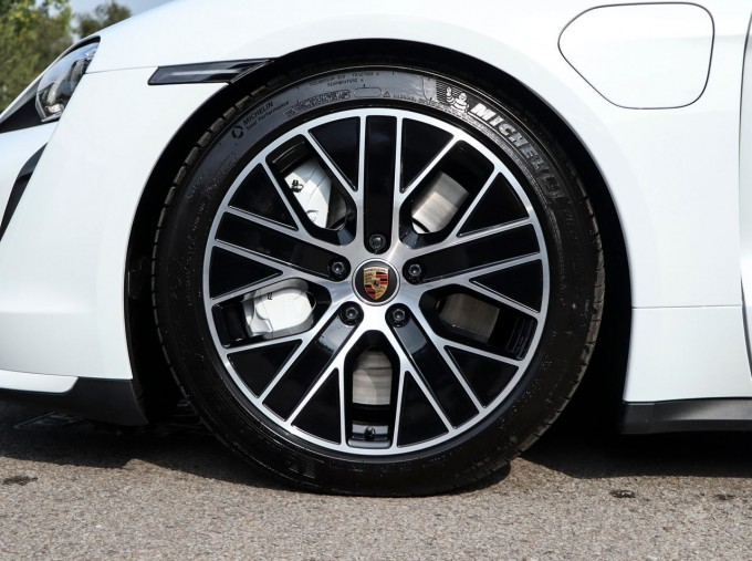 2020 Porsche 93.4kWh Turbo Auto 4WD 4-door (White) - Image: 4