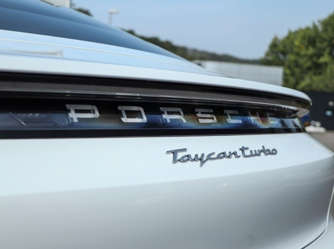 2020 Porsche 93.4kWh Turbo Auto 4WD 4-door (White) - Image: 21
