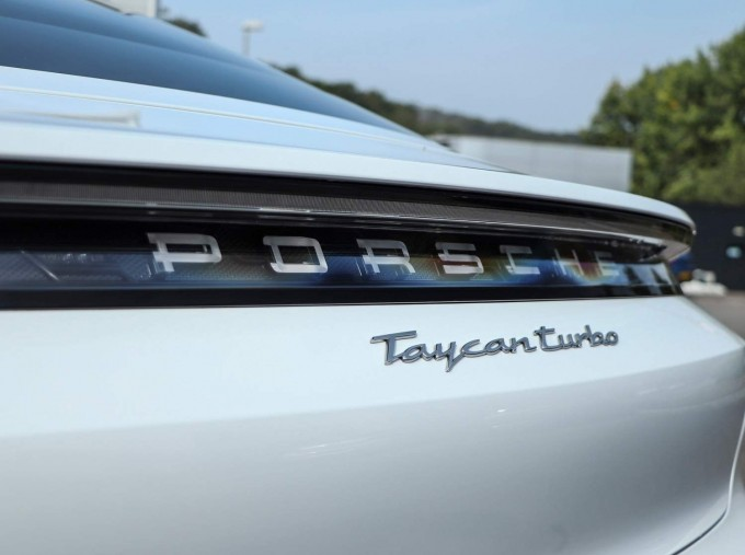 2020 Porsche 93.4kWh Turbo Auto 4WD 4-door (White) - Image: 36