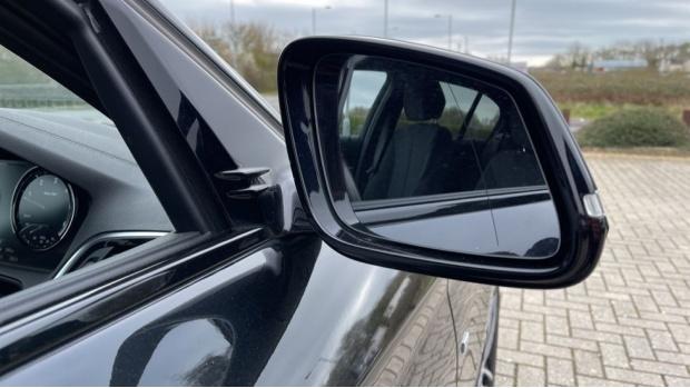 2018 BMW 120d M Sport Shadow Edition 5-door (Black) - Image: 25