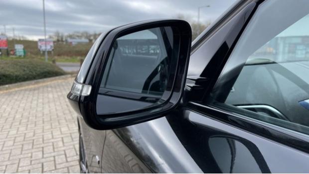 2018 BMW 120d M Sport Shadow Edition 5-door (Black) - Image: 30