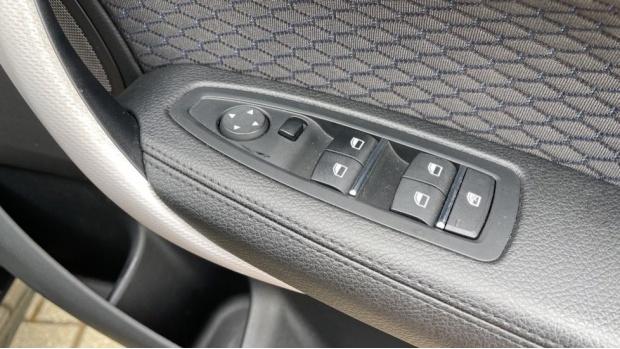 2018 BMW 120d M Sport Shadow Edition 5-door (Black) - Image: 37