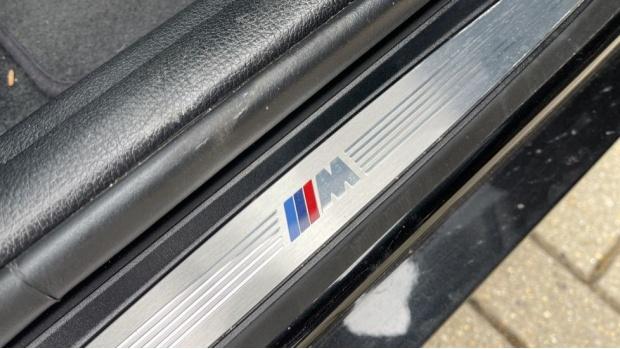 2018 BMW 120d M Sport Shadow Edition 5-door (Black) - Image: 38