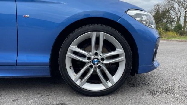 2017 BMW 116d M Sport 5-door (Blue) - Image: 14