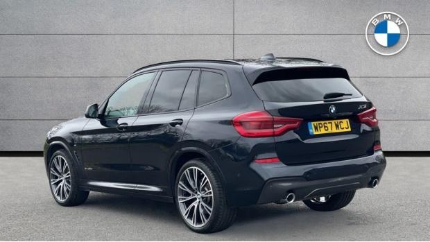 2017 BMW XDrive30d M Sport (Black) - Image: 2