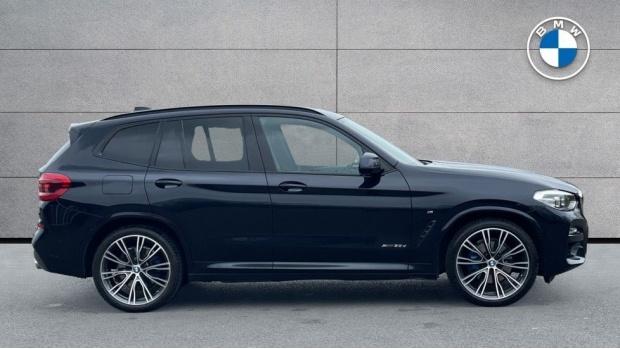 2017 BMW XDrive30d M Sport (Black) - Image: 3
