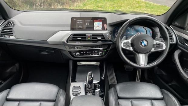 2017 BMW XDrive30d M Sport (Black) - Image: 4