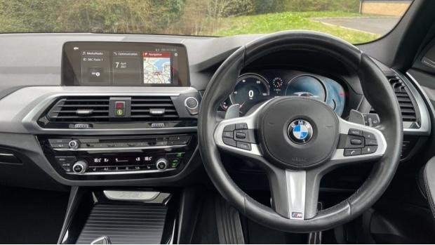 2017 BMW XDrive30d M Sport (Black) - Image: 5
