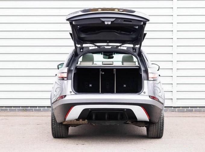 2019 Land Rover D240 R-Dynamic SE Auto 4WD 5-door (Grey) - Image: 17