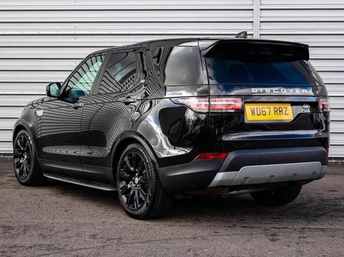 2017 Land Rover TD V6 HSE Luxury Auto 4WD 5-door (Black) - Image: 2
