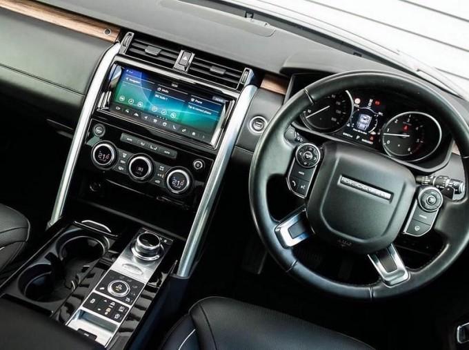 2017 Land Rover TD V6 HSE Luxury Auto 4WD 5-door (Black) - Image: 10
