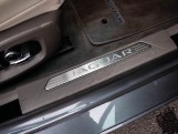 2018 Jaguar 2.0i GPF Portfolio Auto 4-door (Grey) - Image: 14