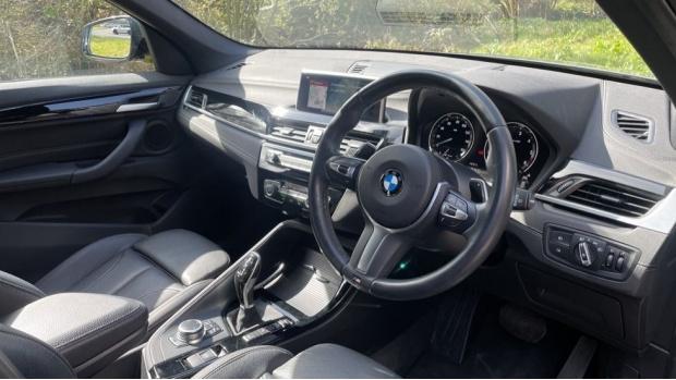 2019 BMW XDrive20d M Sport (Grey) - Image: 6