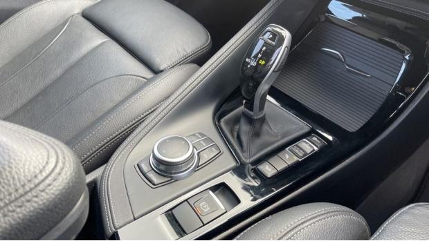 2019 BMW XDrive20d M Sport (Grey) - Image: 10