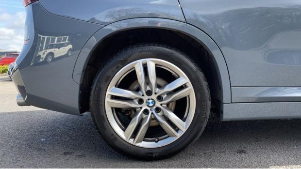2019 BMW XDrive20d M Sport (Grey) - Image: 14