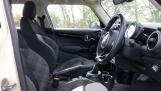 2017 MINI 5-door Cooper (White) - Image: 11