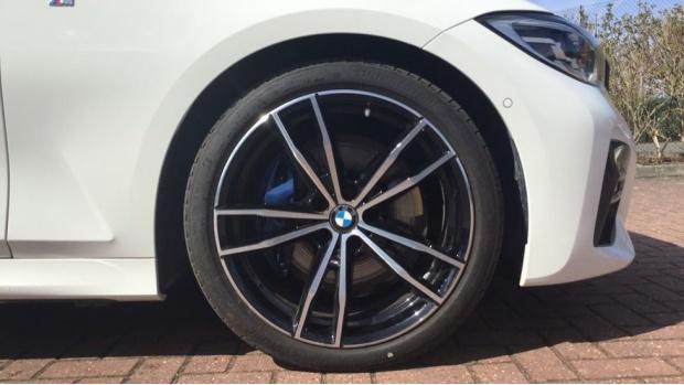 2019 BMW 320d M Sport Saloon (White) - Image: 14