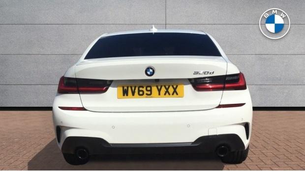 2019 BMW 320d M Sport Saloon (White) - Image: 15