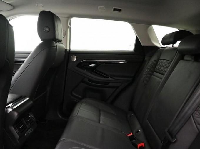 2020 Land Rover D180 HSE Diesel MHEV (Black) - Image: 4