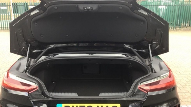 2020 BMW SDrive20i M Sport (Black) - Image: 13