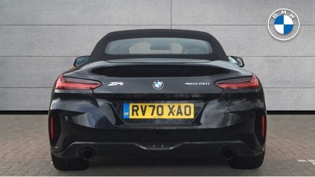2020 BMW SDrive20i M Sport (Black) - Image: 15
