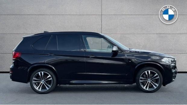 2017 BMW M50d (Black) - Image: 3