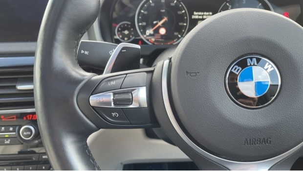 2017 BMW M50d (Black) - Image: 17