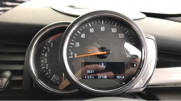 2020 MINI 5-door Cooper S Exclusive (Black) - Image: 9