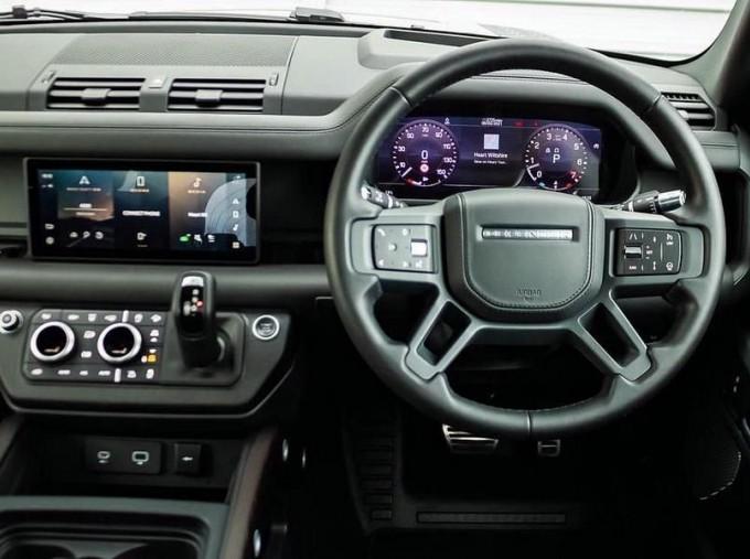 2020 Land Rover I6 MHEV X Auto 4WD 5-door  - Image: 10