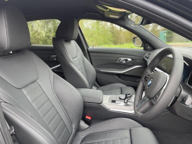 2021 BMW 330e 12kWh M Sport Auto 4-door (Black) - Image: 11
