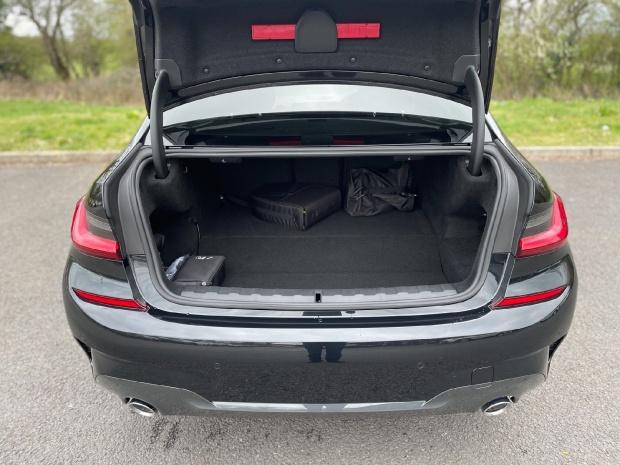 2021 BMW 330e 12kWh M Sport Auto 4-door (Black) - Image: 13