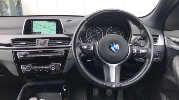 2017 BMW SDrive18d M Sport (Blue) - Image: 5