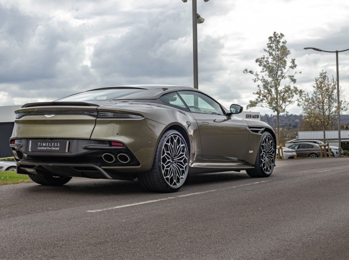 2020 Aston Martin V12 BiTurbo Superleggera OHMSS Auto 2-door (Green) - Image: 3