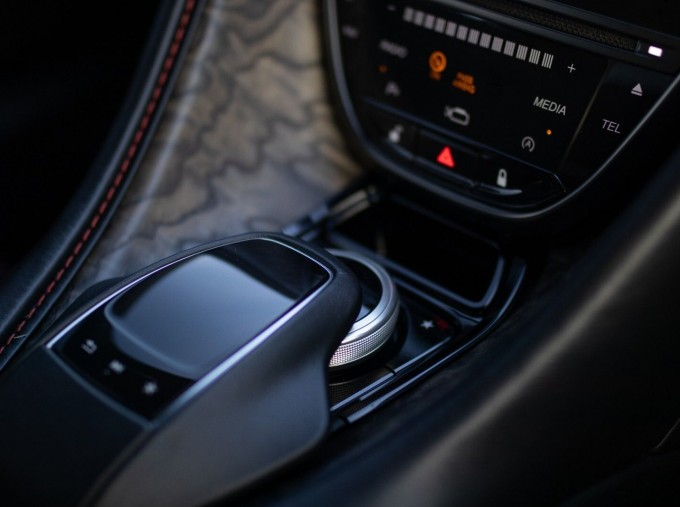 2020 Aston Martin V12 BiTurbo Superleggera OHMSS Auto 2-door (Green) - Image: 21