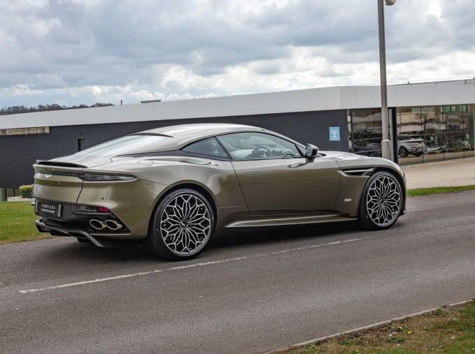 2020 Aston Martin V12 BiTurbo Superleggera OHMSS Auto 2-door (Green) - Image: 27