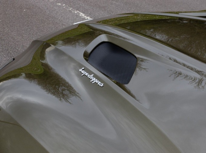 2020 Aston Martin V12 BiTurbo Superleggera OHMSS Auto 2-door (Green) - Image: 29