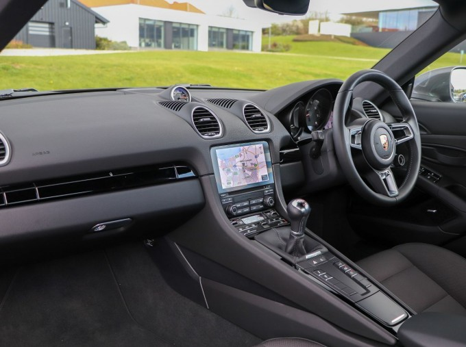 2020 Porsche T 2-door (Black) - Image: 3