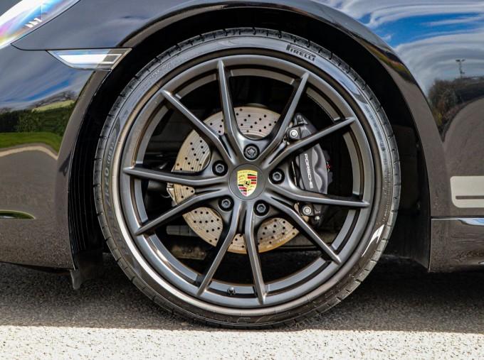 2020 Porsche T 2-door (Black) - Image: 4