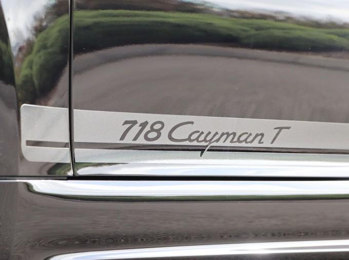 2020 Porsche T 2-door (Black) - Image: 26
