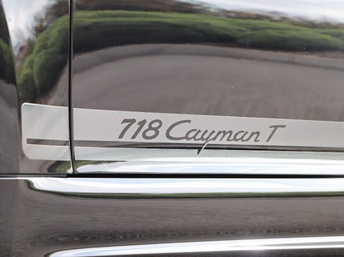 2020 Porsche T 2-door (Black) - Image: 53