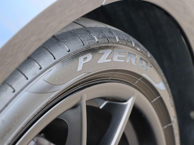 2020 Porsche T 2-door (Black) - Image: 56