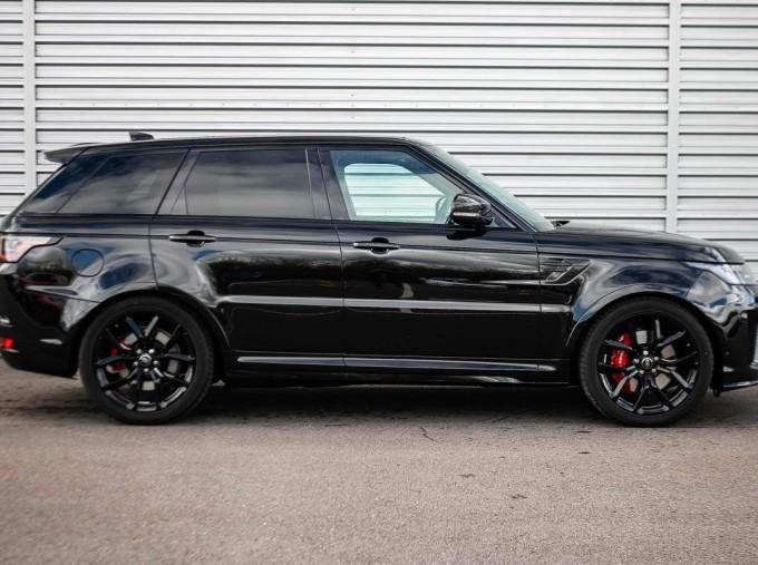 2021 Land Rover P575 V8 SVR Carbon Edition Auto 4WD 5-door (Black) - Image: 5
