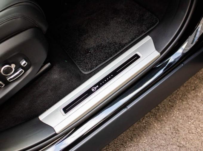 2021 Land Rover P575 V8 SVR Carbon Edition Auto 4WD 5-door (Black) - Image: 14
