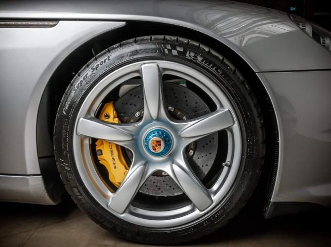 2004 Porsche Carrera GT Coupe Unlisted (Silver) - Image: 14