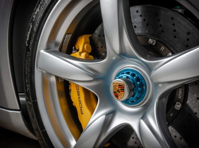 2004 Porsche Carrera GT Coupe Unlisted (Silver) - Image: 15