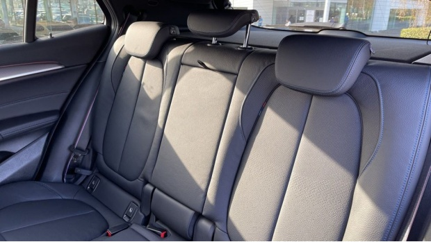 2021 BMW XDrive20d M Sport X (Black) - Image: 12